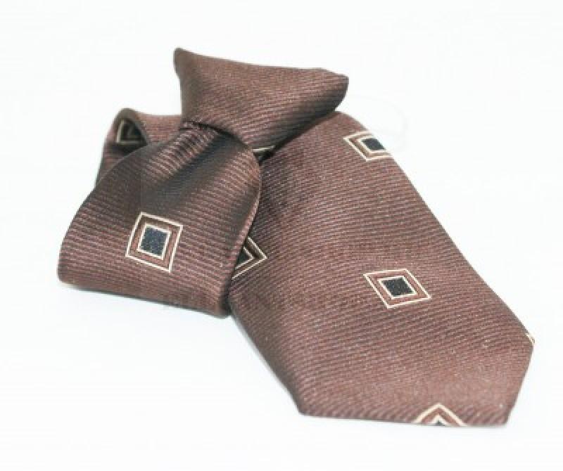 Gumis gyereknyakkendő - Barna kockás
