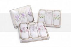 Hímzett női zsebkendő szett dobozban Zsebkendő