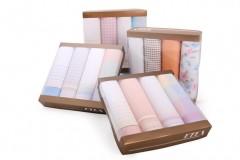 Női zsebkendő csomag dobozban - 4 db Zsebkendő